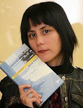 La escritora Wendy Guerra de visita en BibloRed