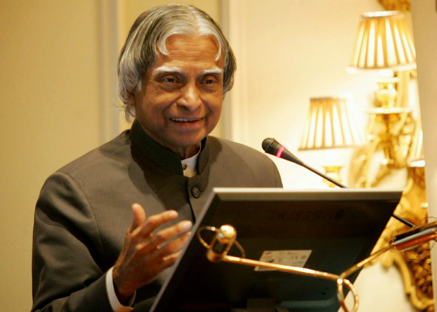 abdul kalam is an aerospace engineer Kalam approached the national aerospace laboratory (nal) to do the task as he was aware of the fact that at nal, scientists had developed computational abilities nal along with scientists.