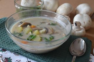 zdrowa zupa pieczarkowa z ziemniakami