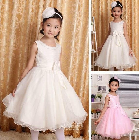 Gambar anak kecil cantik memakai gaun pesta