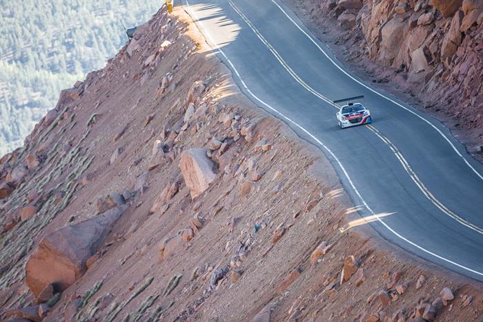 Sébastien Loeb y Peugeot se entrenan para la conquista del Pikes Peak