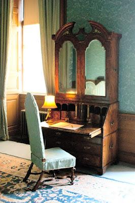 That all important desk, Belton House © regencyhistory.net