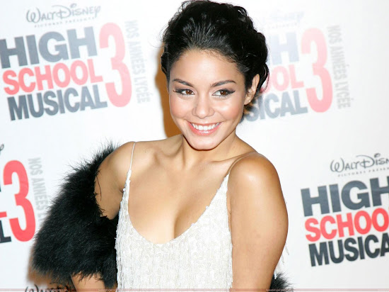 hot_vanessa_anne_hudgens_Fun_Hungama