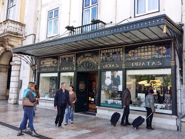 Lisbon Art Nouveau shop | www.stinap.com