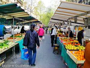 Pasar terbuka di Paris