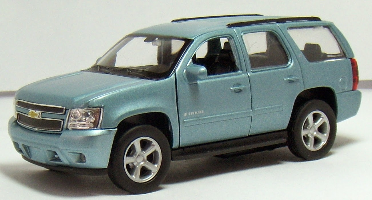 two lane desktop 2007 chevy tahoe 39 s from hot wheels jada toys and welly. Black Bedroom Furniture Sets. Home Design Ideas