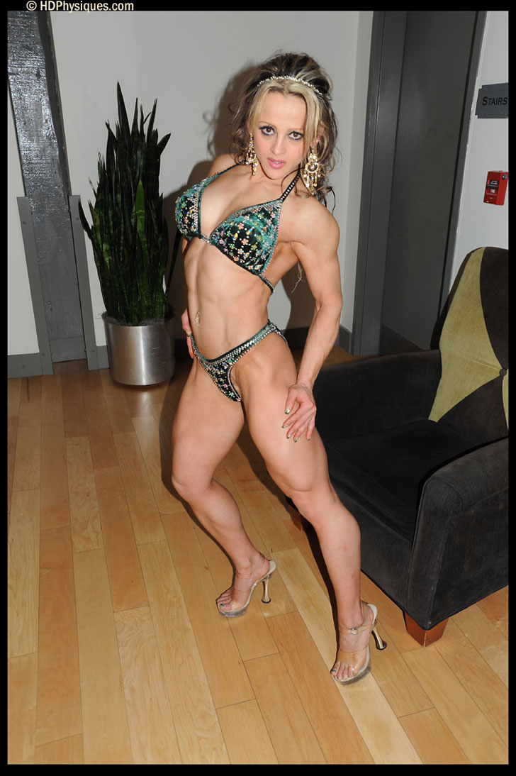 Nicoleta Chiorean Modeling Her Great Legs And Fit Physique In Heels