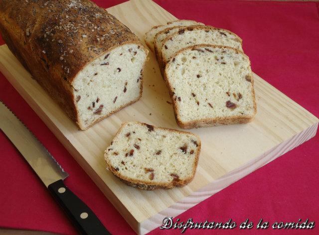Pan de Molde con Dátiles y Bacon Crujiente
