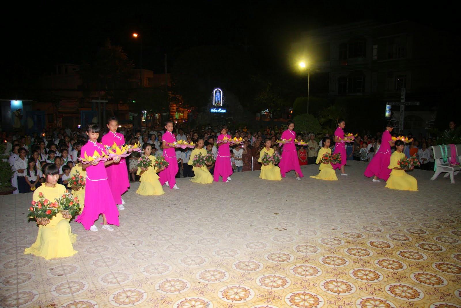 THÁNG HOA - 5-2015