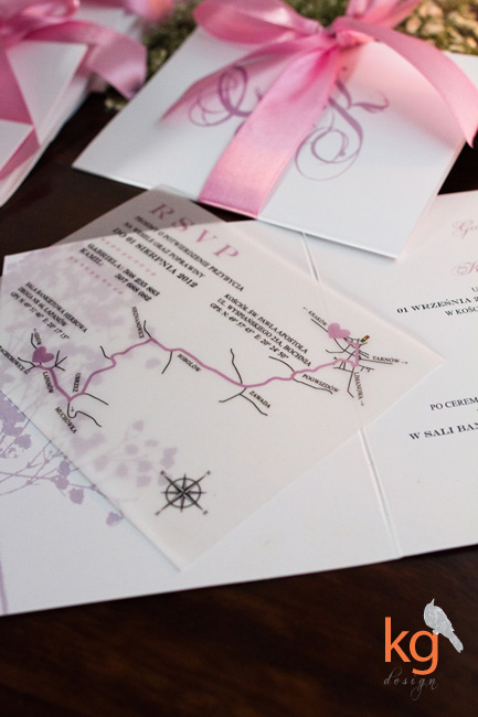 indywidualny projekt zaproszenia ślubnego, biały, brudny róż, gipsówka, motyw przewodni, nietypowe zaproszenie, mapa na kalce, RSVP, kwiaty, logo, delikatne, eleganckie, oryginalne zaproszenia na ślub, kwiat gipsówki, wesele z gipsówką