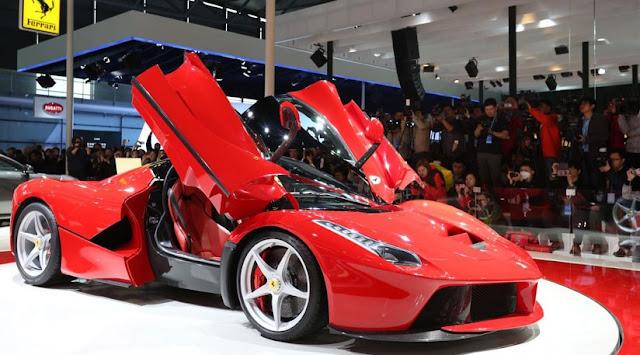 Gambar Mobil Sport Ferrari Enzo 12