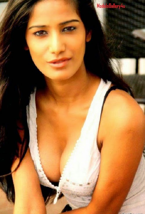 Poonam Pandey's, 12 Hot & Sexy Photos, Barthroom photo,