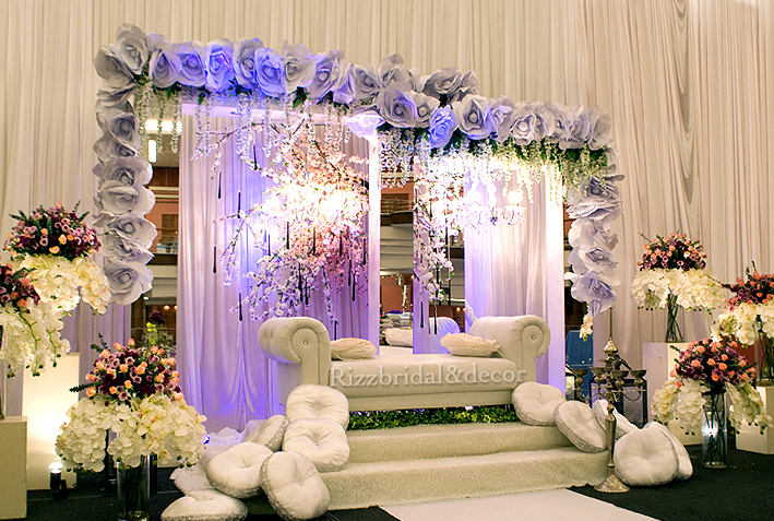 Tema Perkahwinan Ala Garden Mini Pelamin Tirai Tunang