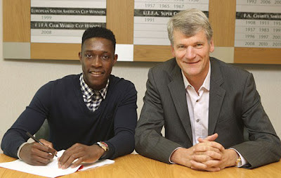 Welbeck  Contract + David Gill Manchester United 2012