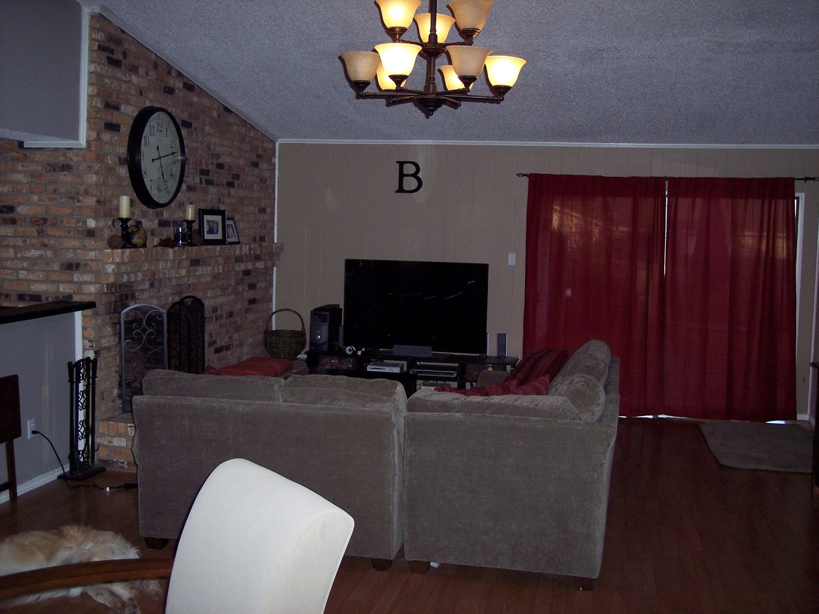 very old picture of our living room. (Please ignore the red  title=