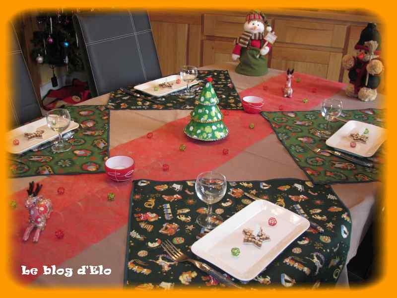 Le blog d 39 elo d co de table no l et ses rennes - Exemple de table de noel ...