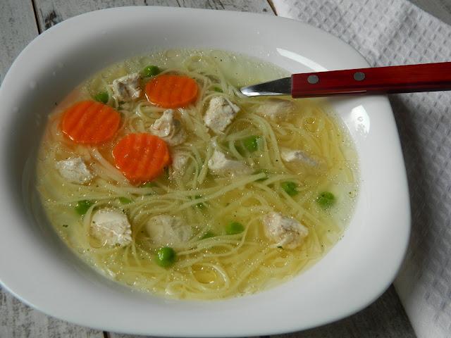 Supa de pui cu mazare