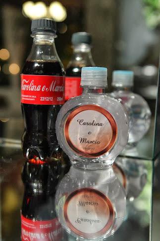 Coca cola e água ouro fino personalizada