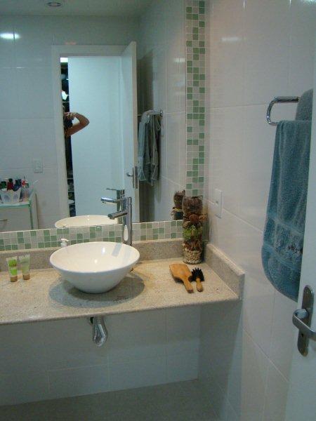 http2bpblogspotcomReginaSegura arquitetura Ampliação de cobertura  -> Banheiro Com Pastilha Perto Do Espelho