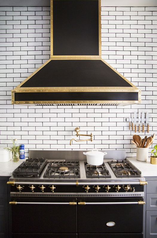 black range + subway tile