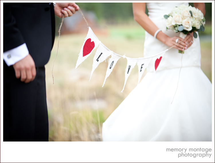 Suncadia Wedding Photo love sign