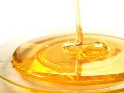 miel para manchas en la cara