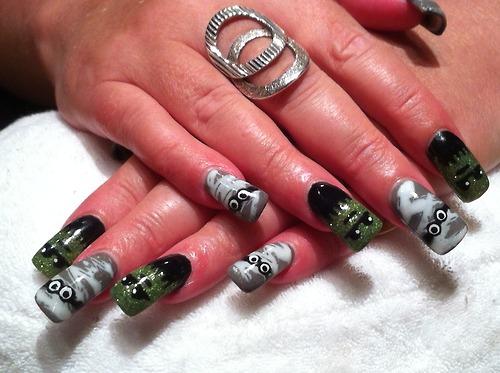 nail and art Halloween Nail Art
