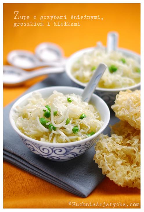 Zupa z grzybami snieżnymi © KuchniaAzjatycka.com