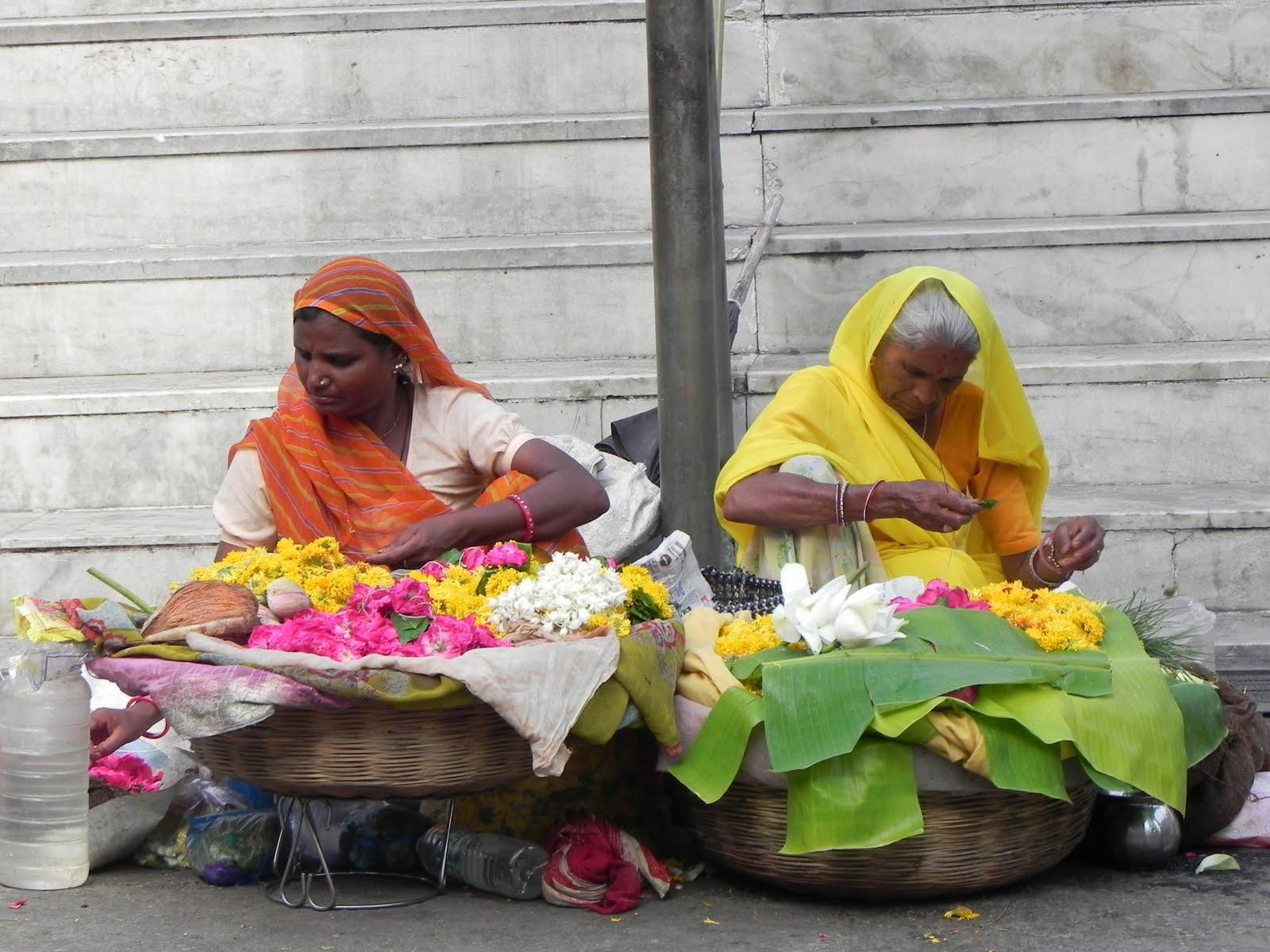 rose city hindu single women In 2005, 695 percent of all births to non-hispanic black women, 633 percent of births of american indian or alaskan native woman, and 479 percent of births to hispanic women occurred.
