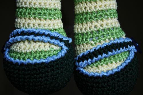Scarpe bambola amigurumi con trecce