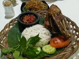 Lezatnya Hidangan Ala Warung-warung Tenda