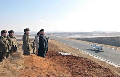 http://1.bp.blogspot.com/-5vwAHA33Qfs/UT00zRjBA4I/AAAAAAAAJS0/eF9nXnTVbU8/s1600/MiG-21-NK-runway-1.jpg