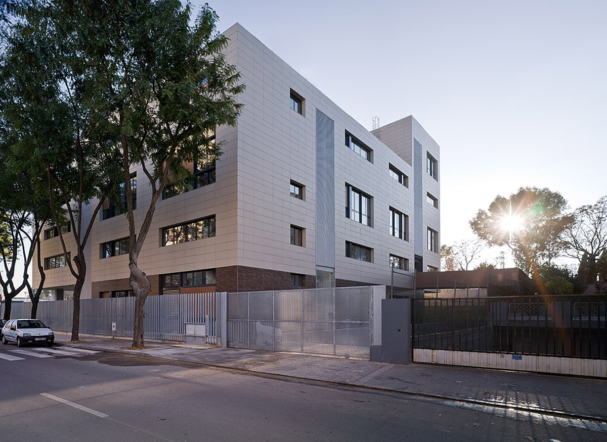 modern multi family housing in sevilla by studio af6