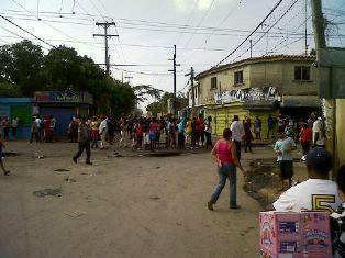 Mendoza protesta pacíficamente por el arreglo de las calles
