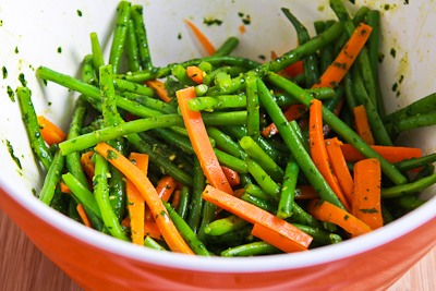 ... Kitchen®: Steamed Green Beans and Carrots with Charmoula Sauce