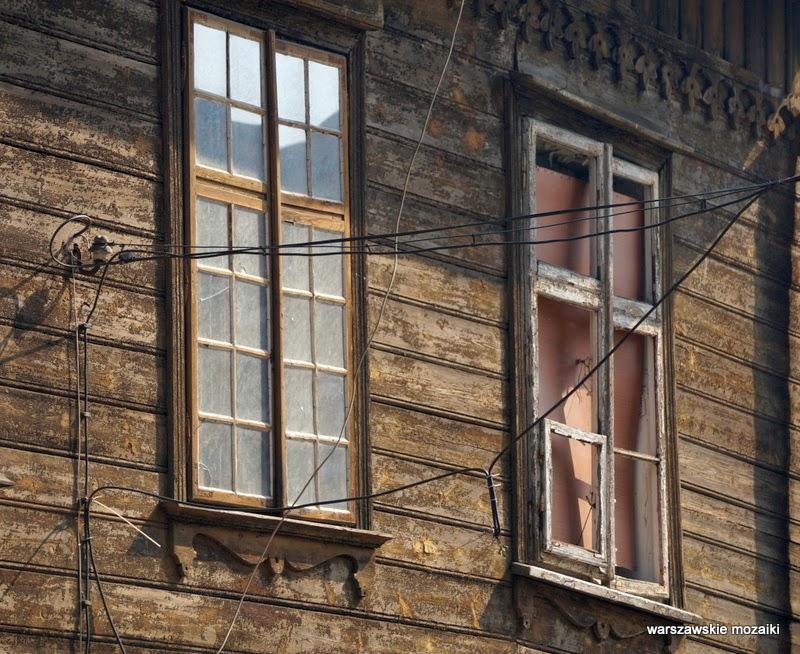 Warszawa Warsaw Praga północ drewniany budynek zabytek okna