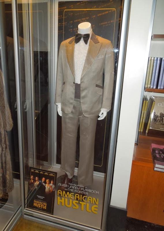 Jeremy Renner Carmine Polito American Hustle costume