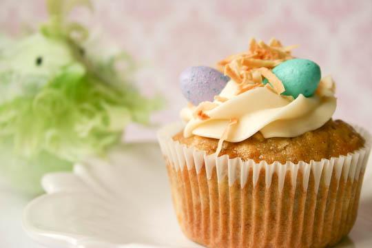 Hummingbird Cupcakes.