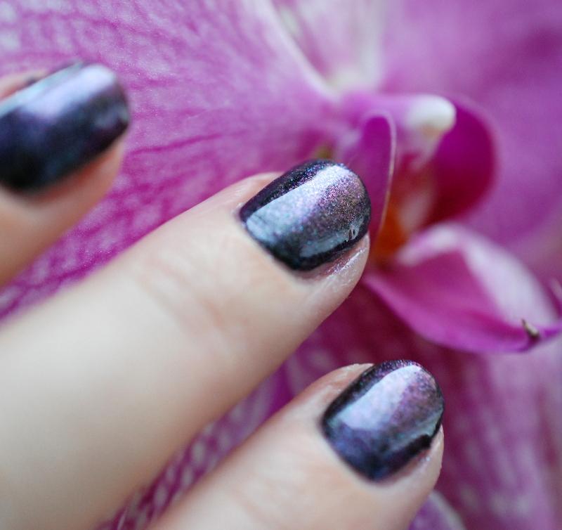 Bones And Lilies: Eyeshadow Nails