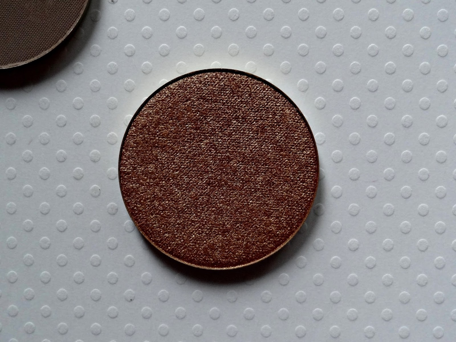 make up for ever artist eyeshadow in i662