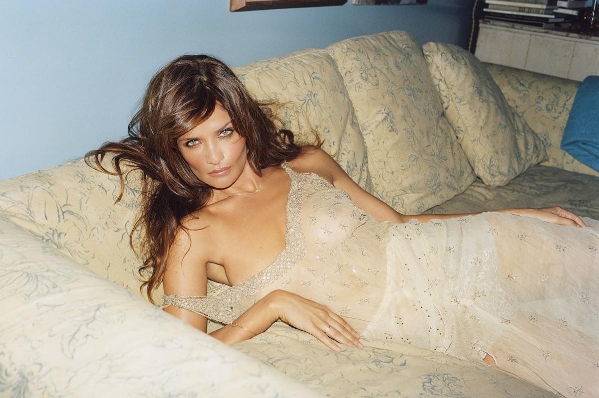 http://1.bp.blogspot.com/-5wiPj21bwlc/Ud_Iew4FsMI/AAAAAAABIBc/QfF3uJhhKp8/s1200/Helena+Christensen+Fully-Naked+For+FutureClaw.jpg