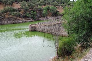 Imagen 1: Coracha, sobre el río Lozoya, del recinto fortificado de Buitrago del Lozoya (Madrid)