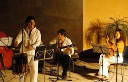 ACTUARON 15/08/2012 EN EL HOTEL PORT ADRIANO DE SANDRA IRIARTE  Y LEO JUANES