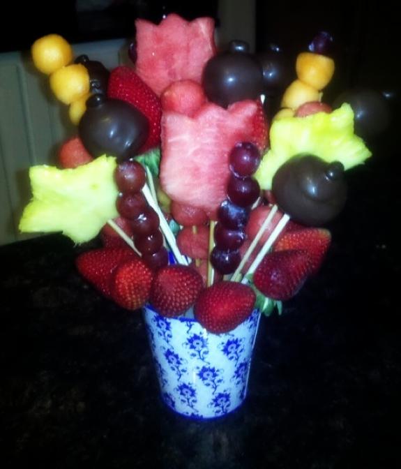 Posh Cake Pops: Cake Pops & Fruit Edible Arrrangements
