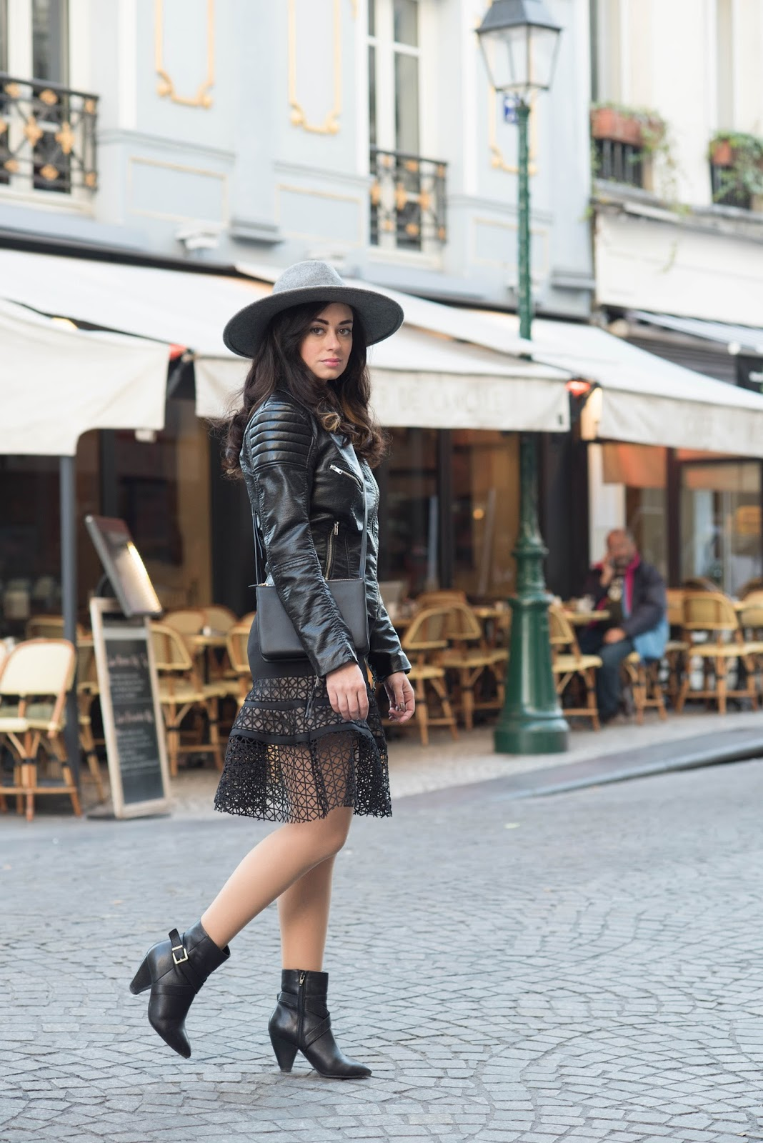 coco and vera, top paris fashion blog, all black everything, leather, lace, celine trio, chicwish skirt, paris street style
