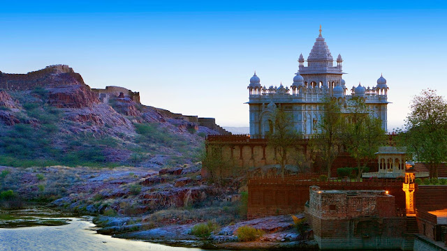 Jaswant Thada in Jodhpur, India (© Lucas Vallecillos/age fotostock) 667