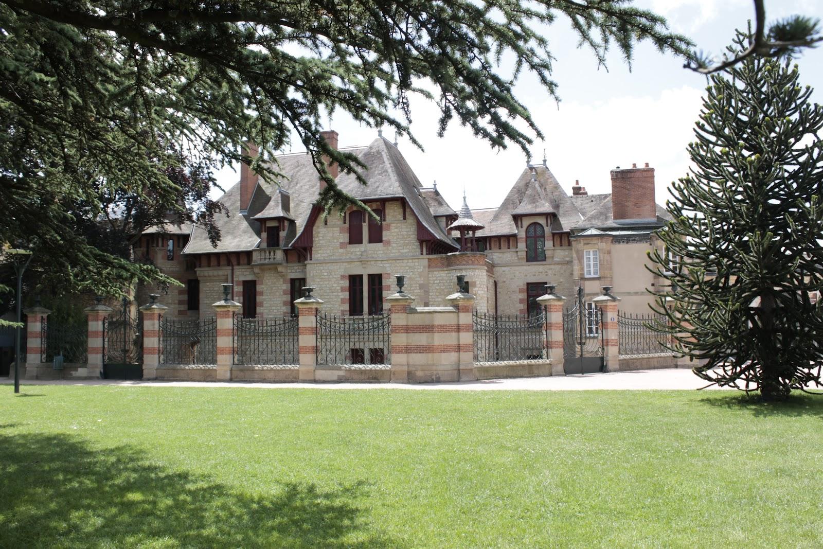 Aux fils de la burge une visite moulins - Maison mantin moulins 03 ...