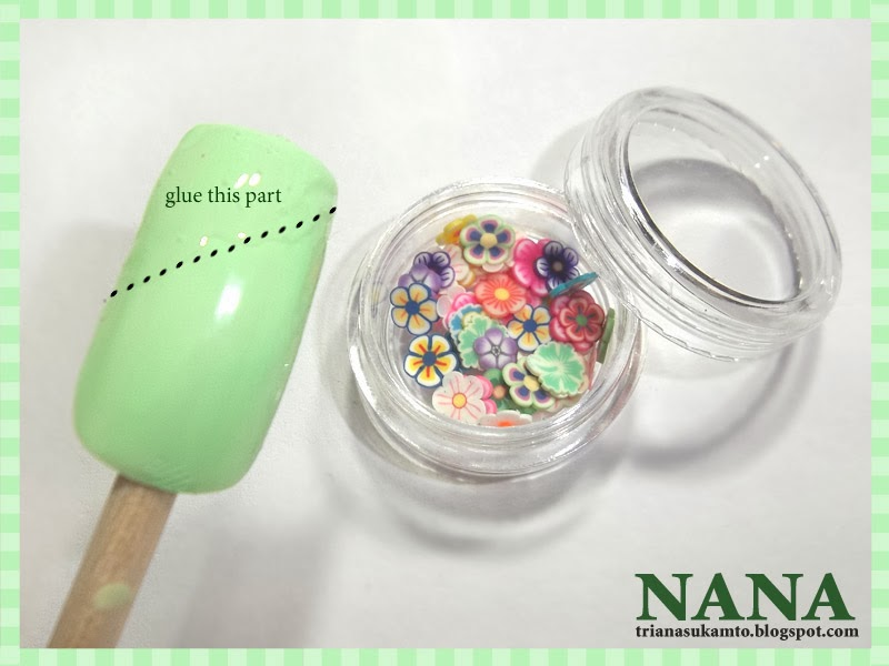 how to make nail polish using glue