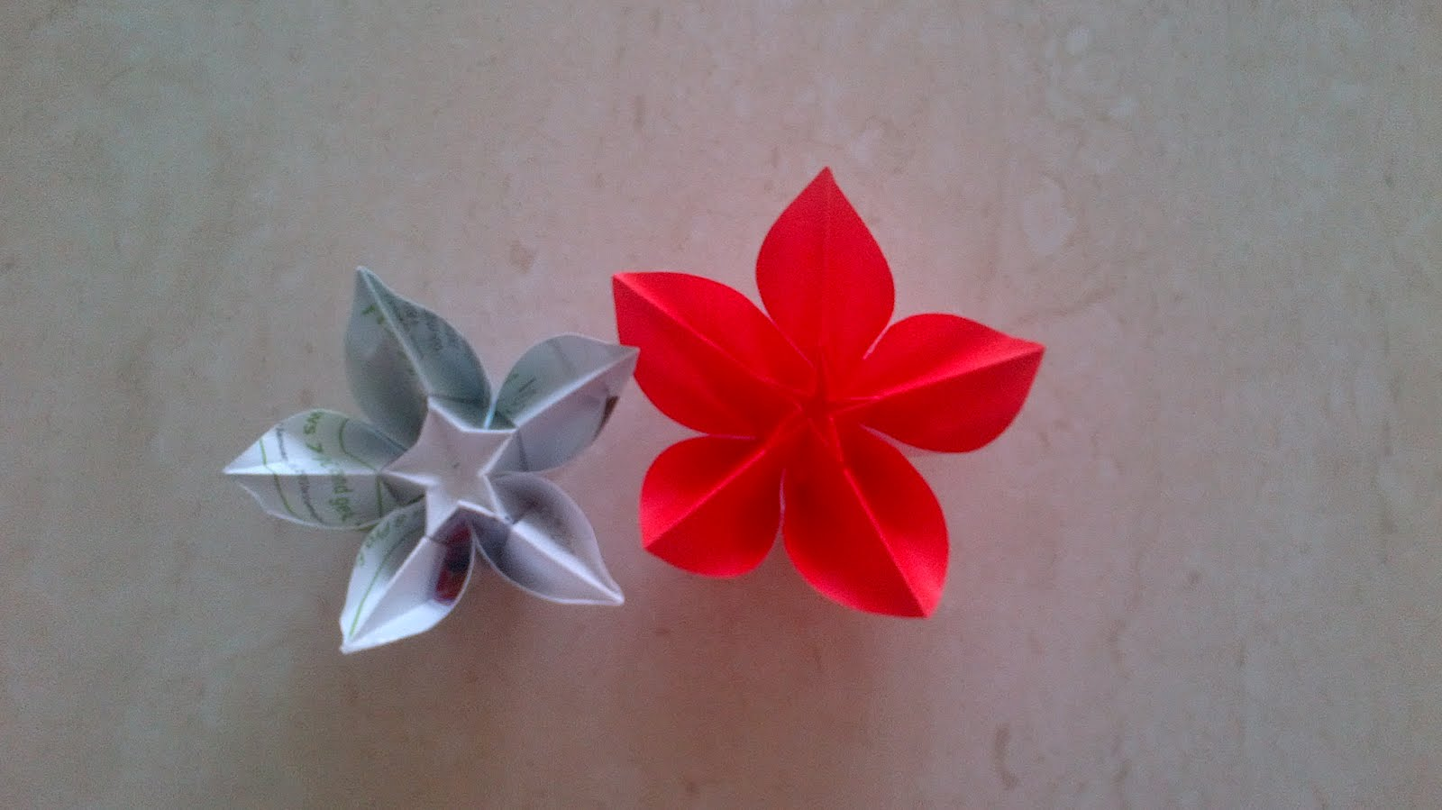Dhanuparth beautiful paper flower the red one is made with craft paper and for the other one i have used a magazine paper personally i prefer using the magazine paper as its thicker than jeuxipadfo Gallery