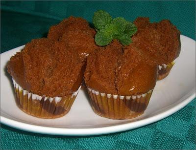 kue bolu kukus gula merah kali ini mari kita membuat kue bolu kukus ...